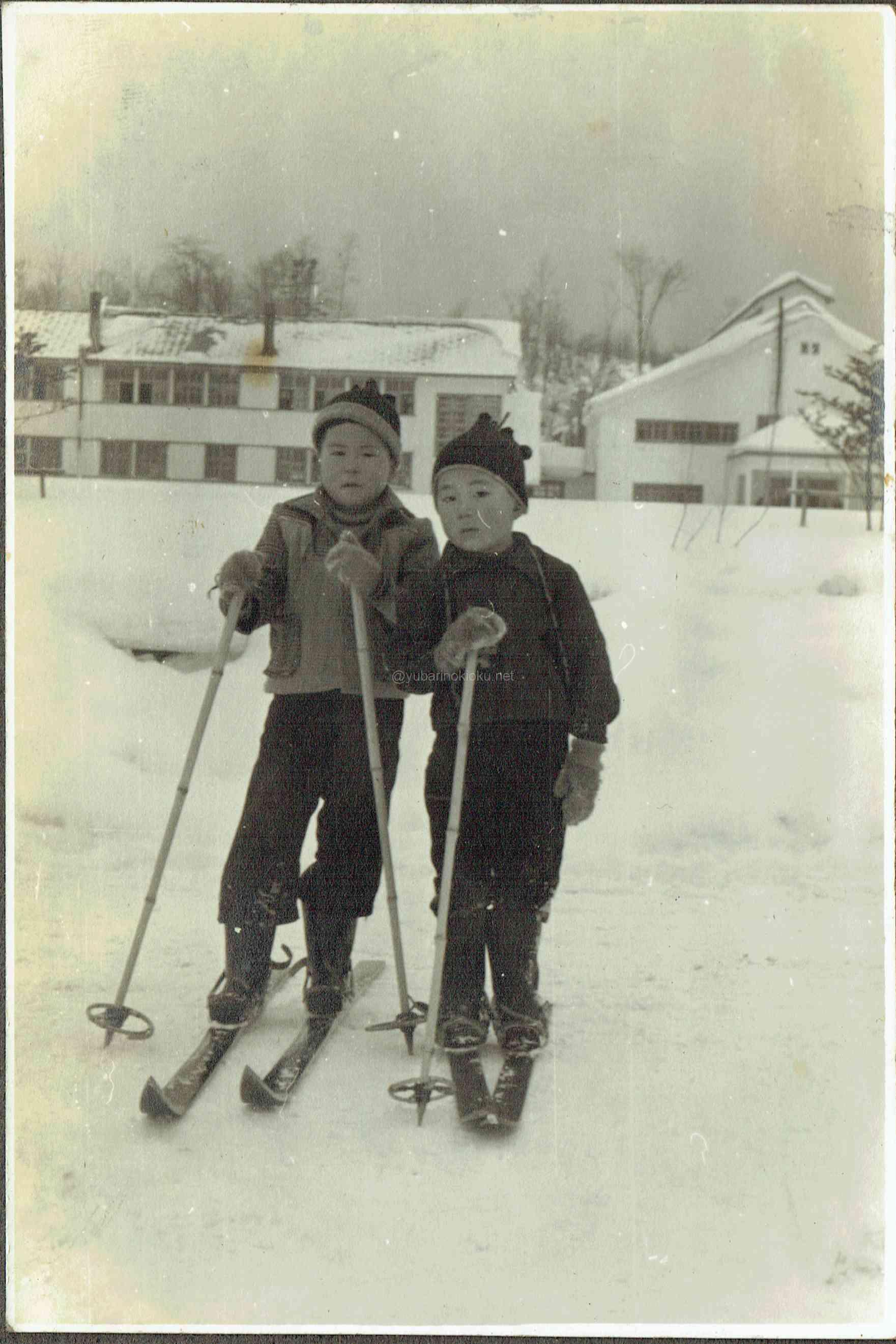 夕張南高旧校舎と竹スキー