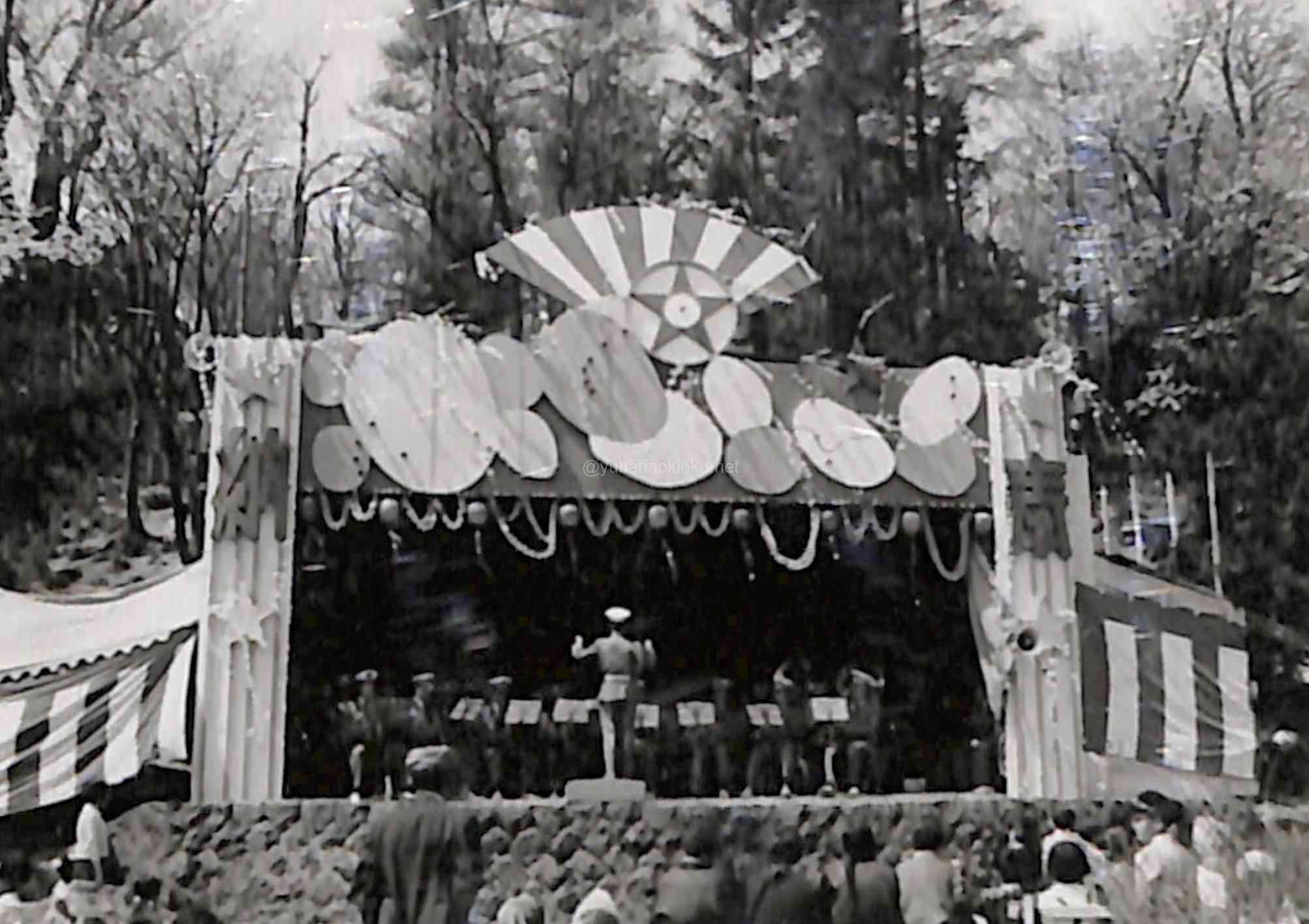 炭山祭、夕張神社で行われた吹奏楽隊の演奏